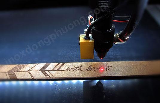 Khắc laser Hà Nội theo yêu cầu, giá rẻ, lấy ngay! dd